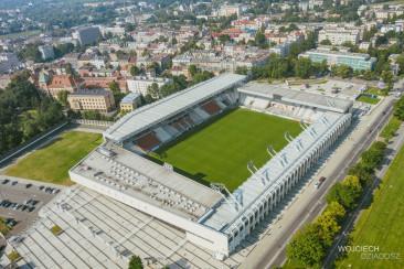 Stadion miejski - fotografia lotnicza.